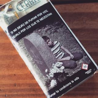 Krasse Anti-Raucher-Kampagne. Zu deutsch: Wenn du nicht für dich aufhörst zu rauchen, dann tu es wenigstens für die, die dich brauchen.